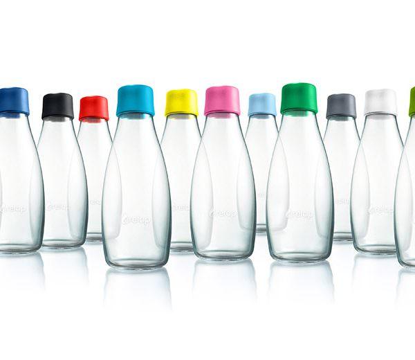 Designer Glasflasche mit verschiedenen Deckeln