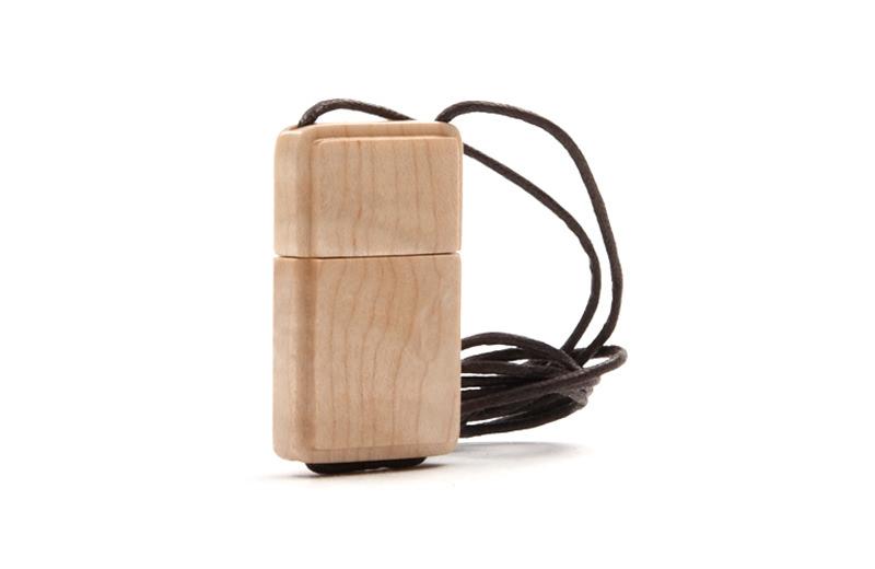USB-Stick Holz Star mit Schutzkappe