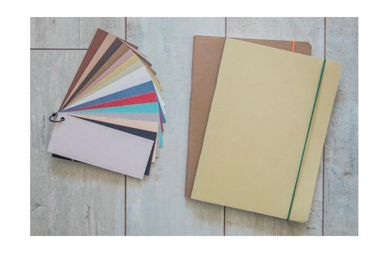 Notizbuch aus landwirtschaftlichen Abfällen große Farbvielfalt