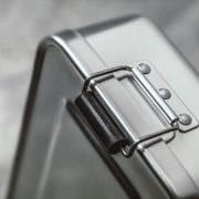 Lunchbox aus Edelstahl verschluss